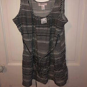 NWT maternity tank top blouse in black and white